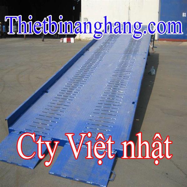 Cầu Lên Container Sản Xuất Tại Viêt Nam Giá Tốt Nhất